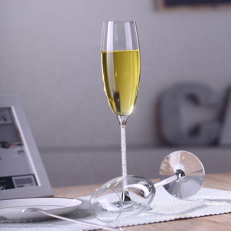 olga cassini long stem champagne flutes - 750×750