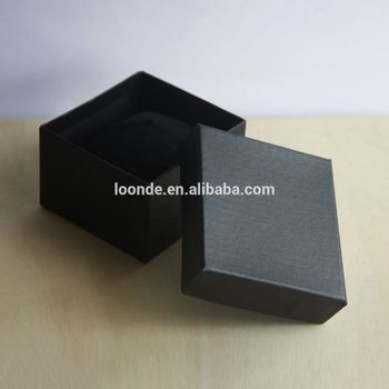 Pretty black little paper jewelry shipping box