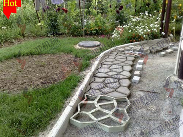 Walkway Form. Path Walkway Maker Concrete Stepping Stone Mold ...