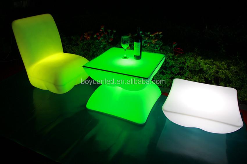 Divani Per Esterni In Plastica : Vendita calda moderno mobili da giardino in plastica led divani