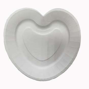 7 inch Heart Shape  Disposable Paper Plates