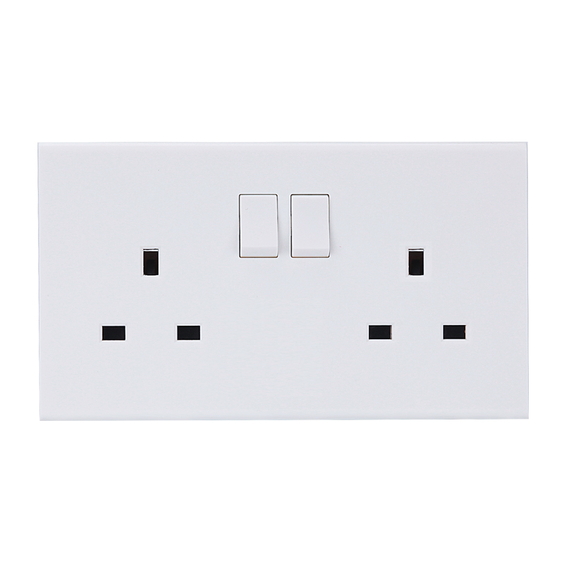 PC White 250v <strong>BS</strong> UK electrical <strong>socket</strong> with switch 13A wall <strong>socket</strong> british <strong>standard</strong> screwless double <strong>socket</strong>