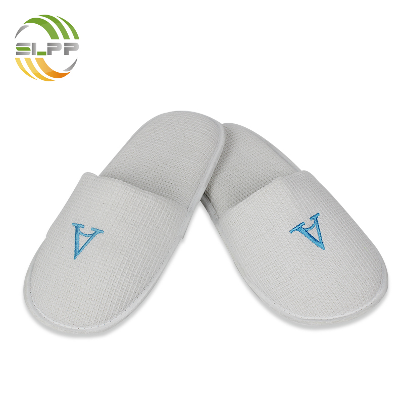 Eco-friendly closed toe waffle sponge slipper with PU sole