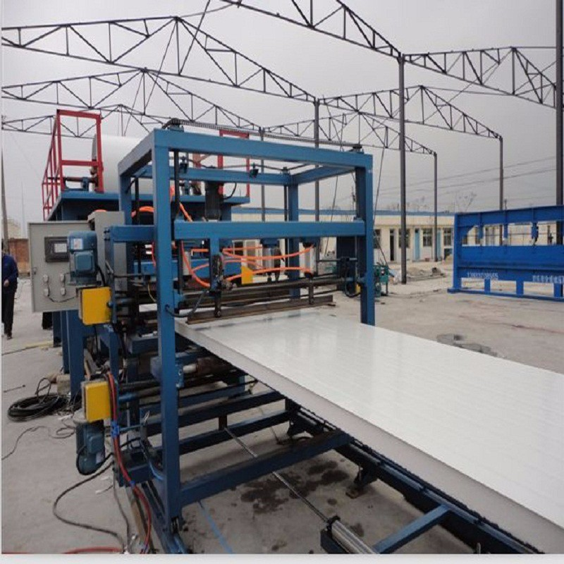 Metalen isolatie composiet sandwich panel koud rolvormmachine