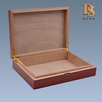 New Design Christmas Gift Packing Box Better OEM Humidor Box Wooden Cigar Box With Magnet Closure