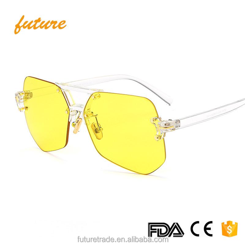 e3a918e98a Faça cotação de fabricantes de Óculos De Sol Escudo Claro de alta qualidade  e Óculos De Sol Escudo Claro no Alibaba.com