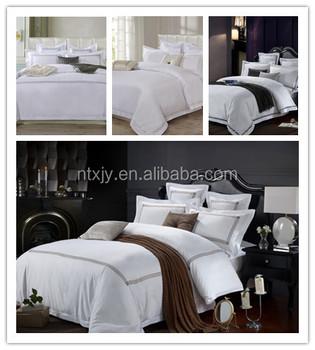 ホワイトサテン高級ホテルのベッドリネンフラットシート、刺繍ホテル布団カバーセット