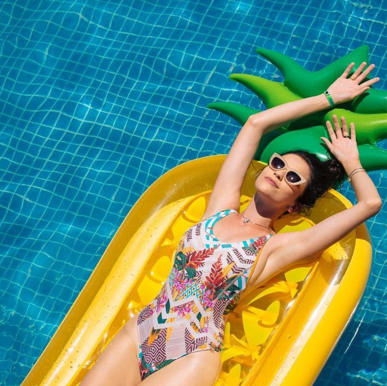Buy CLASSIC Giant Inflatable Pineapple Swimming Pool Float ...