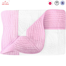 Hot Sale Eco-soft Wholesale Handmade Monogrammed embroidery 100% Cotton Padded Baby Quilt