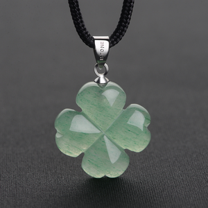 Wholesale green aventurine quartz crystal carved lucky four-leaf straw necklace