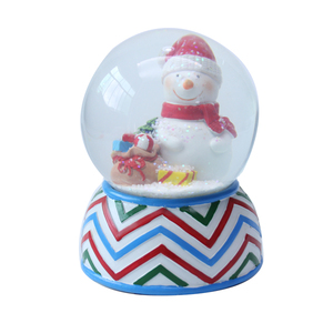 Custom Made Resin Christmas Decoration Snow Ball Souvenir Glass Water Globe custom made souvenir