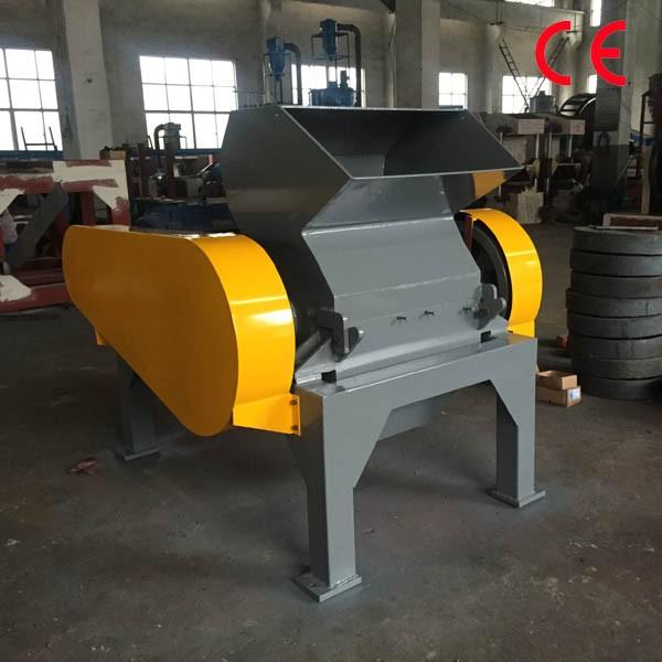Single shaft tire recycling crumb rubber crusher machine