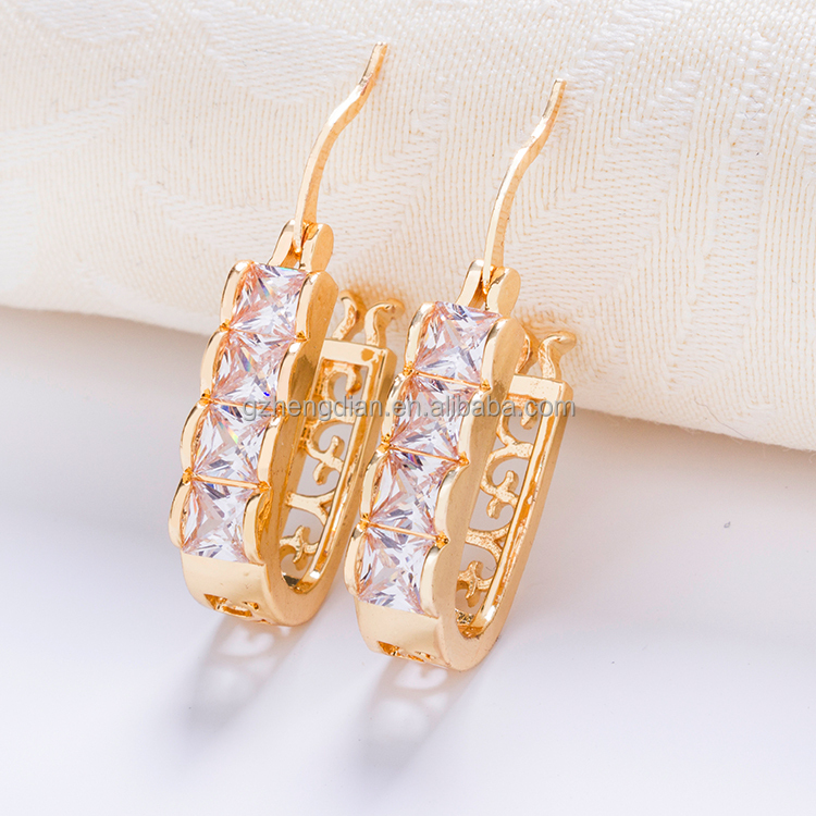 Wholesale all types of dubai 18k latest fashion small gold plated heart jewelry earrings women