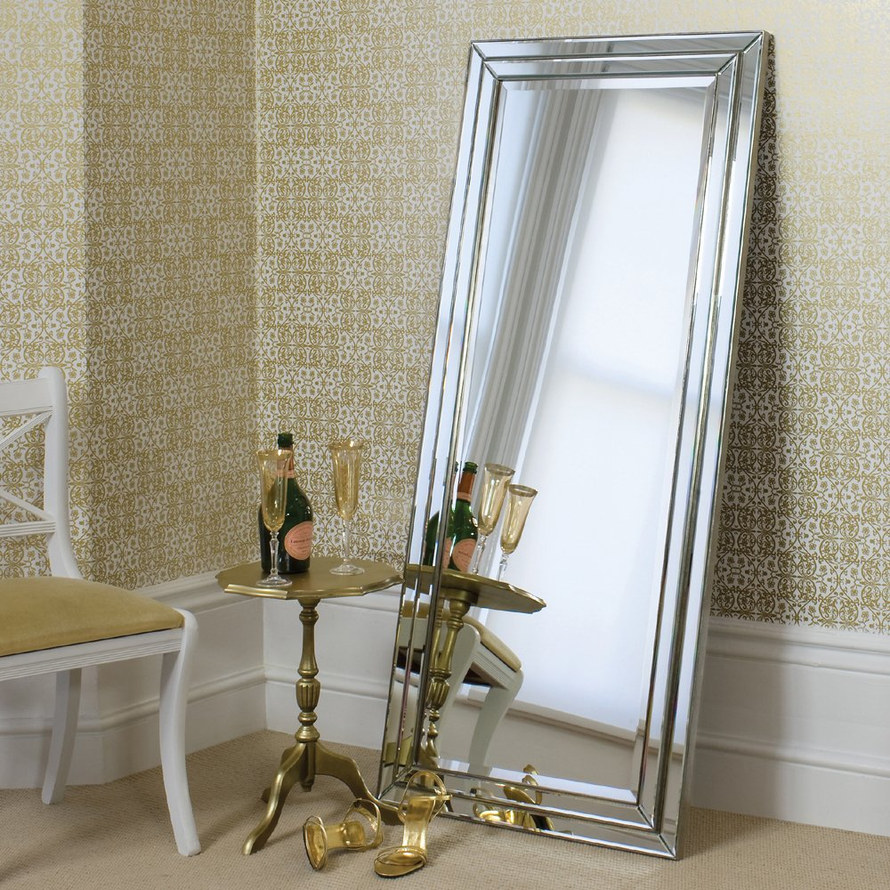 China Stand Silver Mirror