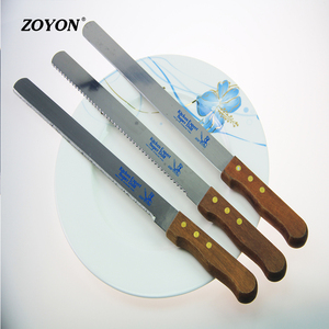Hot sale 2018 wholesale wooden handle stainless steel bread knife for cake