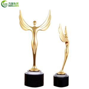 Hot sale metal gilt Angel crystal trophy for creative gifts amd souvenirs