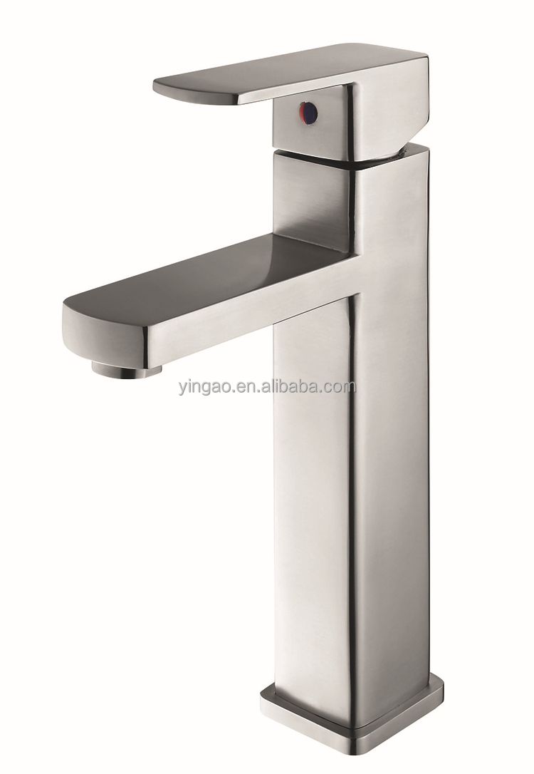 Kitchen single hole Single Handle brass chrome plated wall mounted faucets