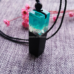 wooden resin pendant necklace charm necklace for women jewelry