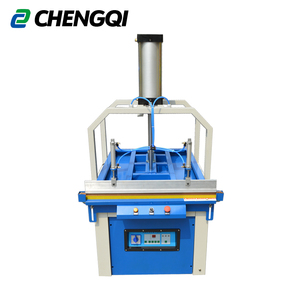 Pneumatic compression packaging machine
