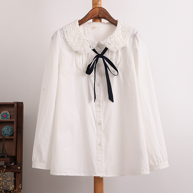 Very cute linen top with Peter Pan collar and roll up sleeves. Made from a fantastic % pure European linen this shirt is light and airy. An eco-friendly choice.
