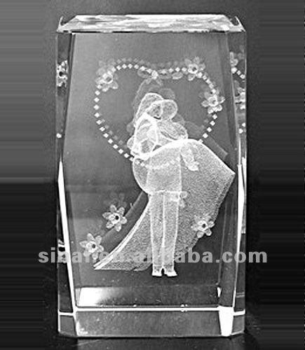 Beautiful Wedding Gift / Souvenir Crystal Cube
