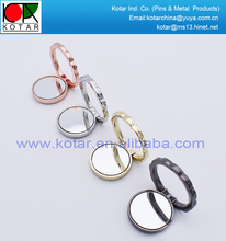 Hot sale round shape multi-functional metal mobile phone ring holder with customized logo sticker
