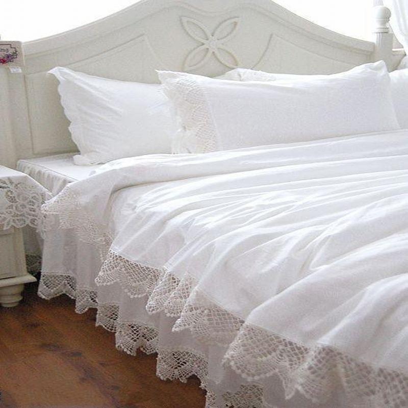 acheter blanc dentelle princesse couvre lit ensembles de literie reine roi luxe. Black Bedroom Furniture Sets. Home Design Ideas