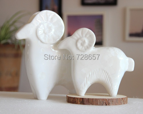 Wedding Statue Gifts: Abstract Crystal Glazed Porcelain Goat Couple Statue