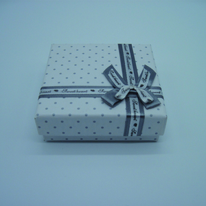 Standard Size Fashion Jewelry Packaging Box With Ribbon