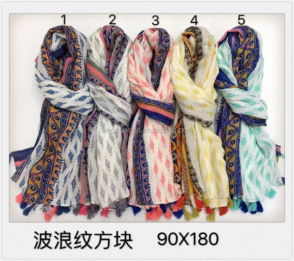 Fashionable spring tops sold islam textured ladies shawls mascadas wrap viscose print boho geometric floral pareo tassel scarves