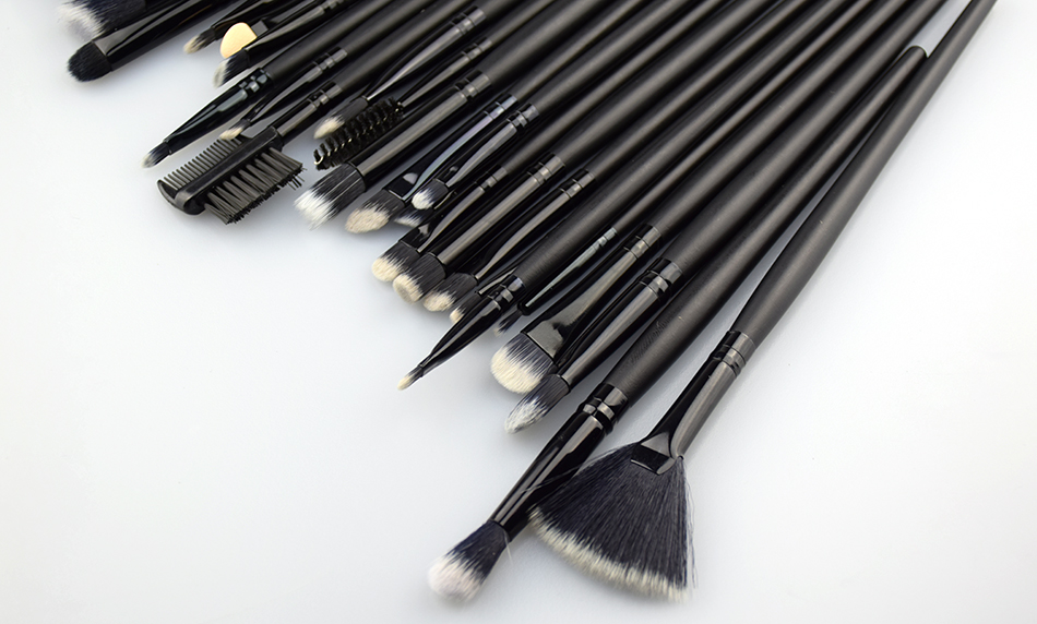 Professional Makeup Brushes Set 32 Pcs black Synthetic Hair Beauty Makeup Brushes