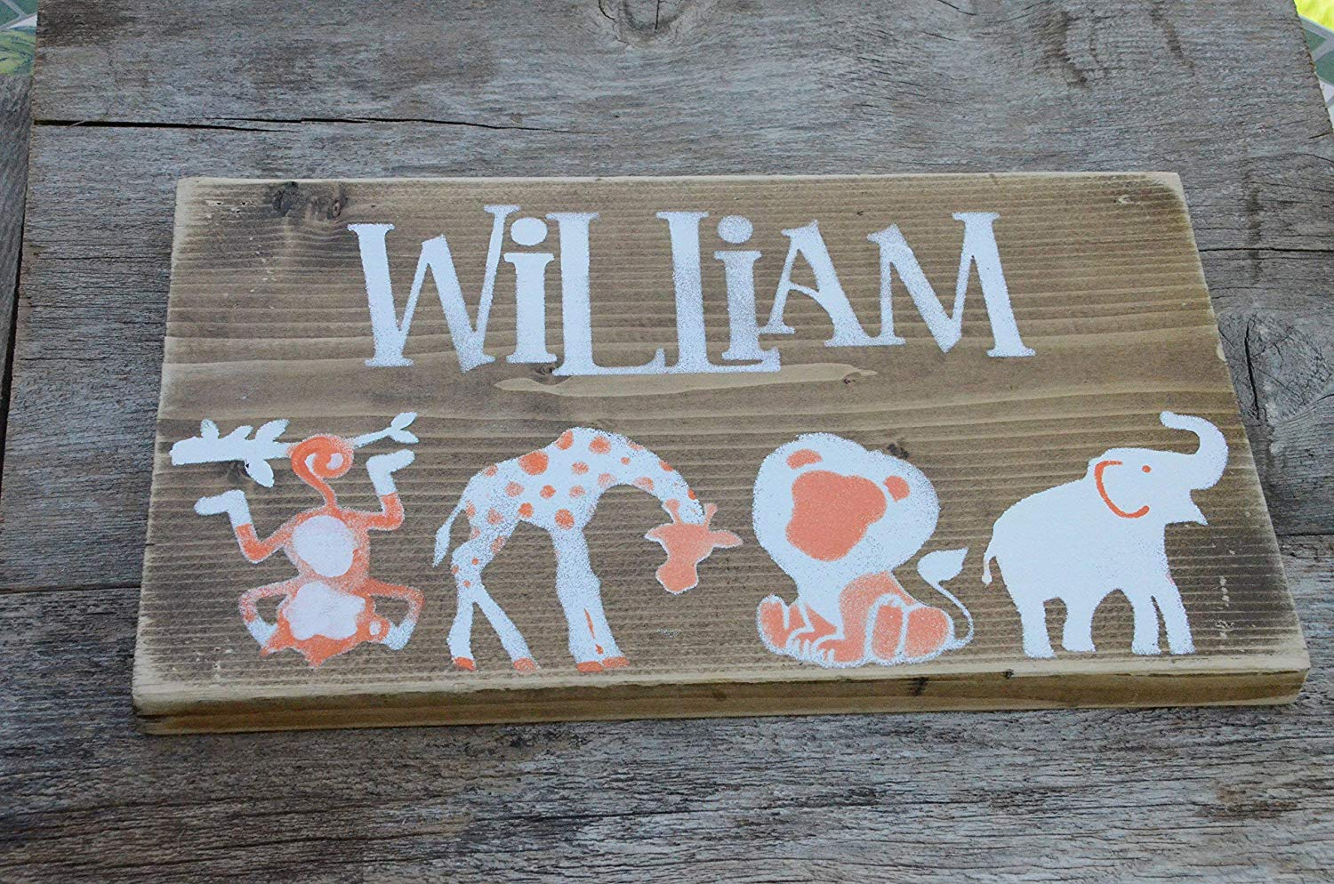 Personalized child's name with Safari animals. Safari wall decor, reclaimed wood, painted wood sign, gift, handmade sign, Art, Girls/Boys room, baby room, Nursery wall decor.