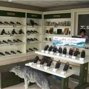 7ac1b0d15f0d Shoe store design with shoe rack and display shelf