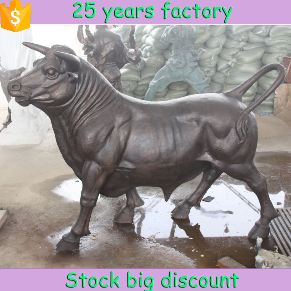 Hot sale popular morden style bronze bull for outdoor decoration