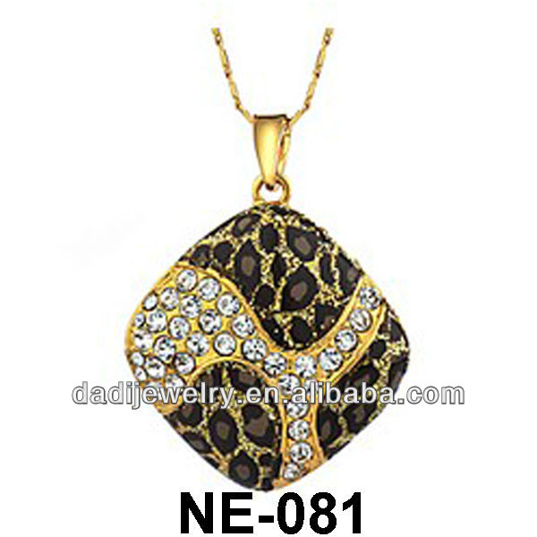Nice Pink Golden Leopard Print Mosaic Gold Baking Paint Necklace Auden Rhinestone Necklace