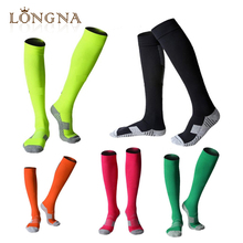 Promotion men knee high colourful compression sports running socks,football long socks ,waterproof socks cheap custom wholesale