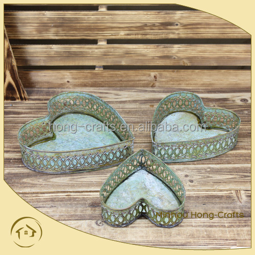 Galvanized heart shape tray with chemical green wash