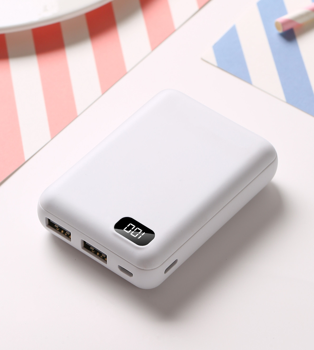 2019 Mini Portable Battery Power Bank 10000mAh Emergency Battery Power Bank for Home LED lights type-c power bank for Phone фото