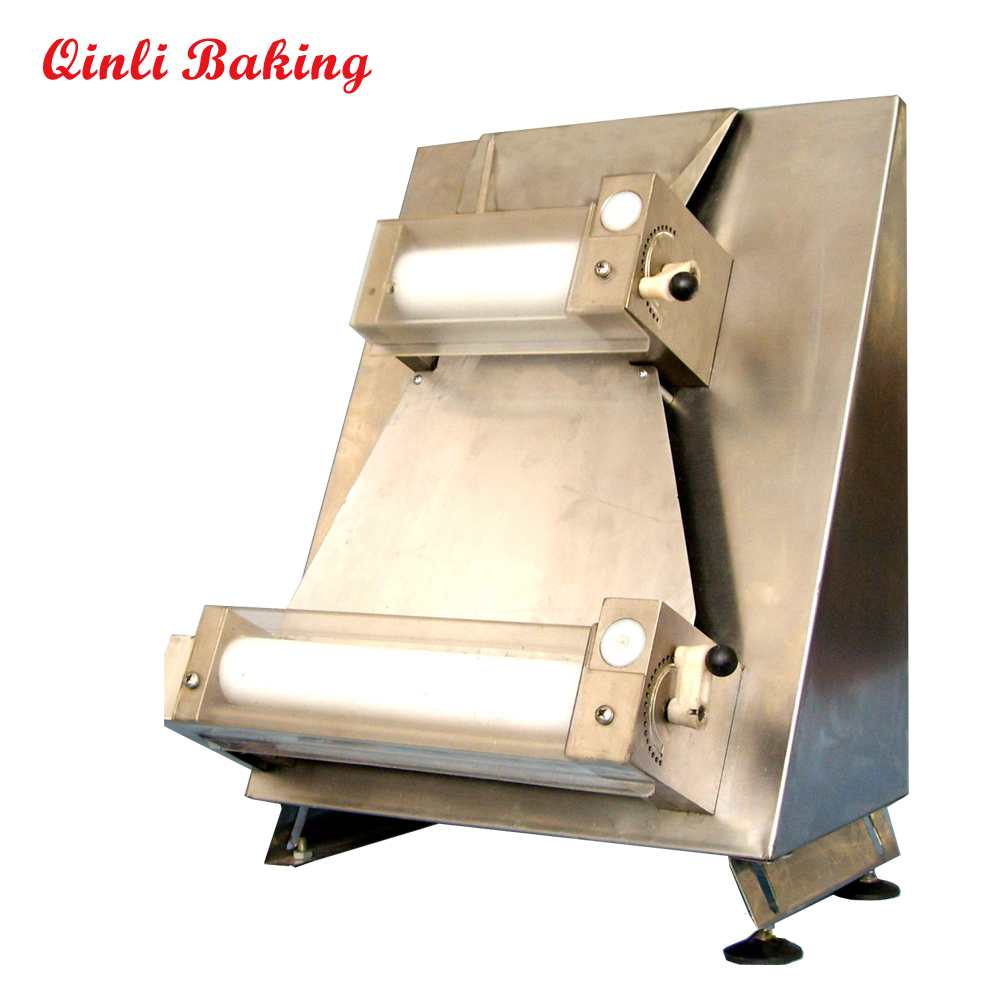 "Manual dough sheeter of pizza dough roller to make 12"" pizza dough"