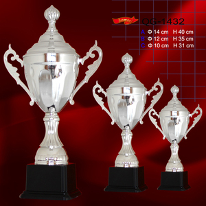 Europe feature trophy in stock wholesale silver football soccer trophy awards