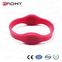 OEM custom design rfid/ nfc silicone wristband with high quality