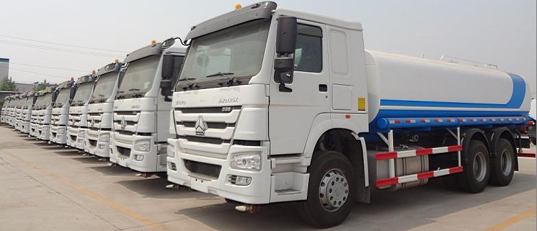 Brand Sino Howo 6x4 Tanker Trucks 10000 L 12000 Liter