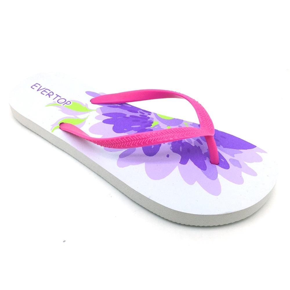 40caaafcb EVERTOP 2019 popular totem design custom embossed sandals shoes one piece  of flip-flops rubber platform wedges