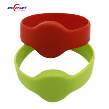 Customize Logo Silk Print NFC Chip Round Rubber Wristband