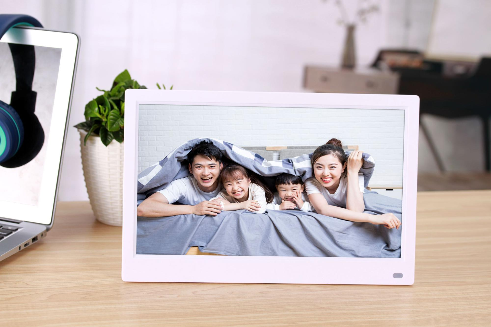 Factory direct    customized wall mount digital photo frame 12.5 inch 1920 x 800 Pixels made in china !