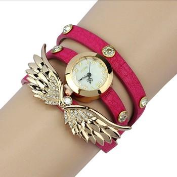 7dbc12c5f33 New Coreano mulheres bracelet watch três dicas de roupa colorida Fantasia  diamante assistir relógio de forma. View larger image
