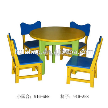 cheap table and chairs for kids kids play table and chairs. Black Bedroom Furniture Sets. Home Design Ideas