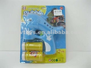 wholesale light and sound (2 bottles of bubble water ) Real color dolphin b/o auto bubble gun toys