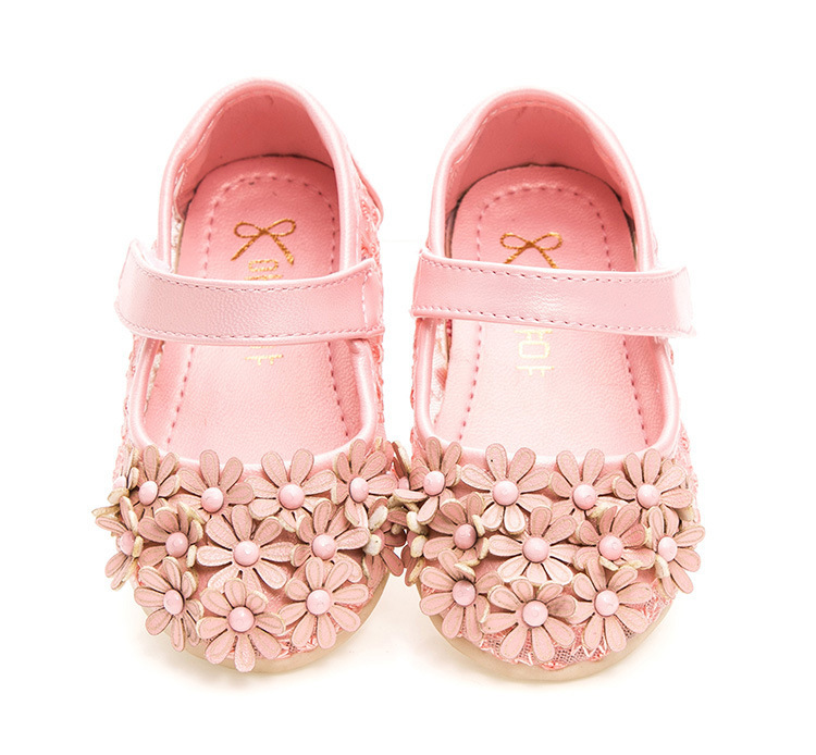 2016 new Spring baby First Walkers keep Breathable Buckle Strap with Velcro shoes Flower Lace Princess shoes 2 color for choice