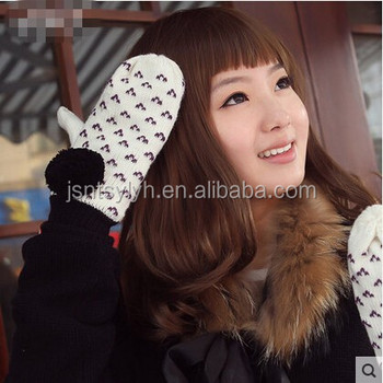 100% acrylic winter embroider cute knitted gloves with pompom